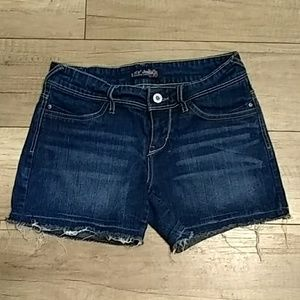 Levi's Shorts sz1 red label